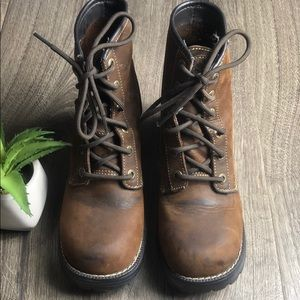 Sketchers Chunky Heel Leather Lace Up Boot